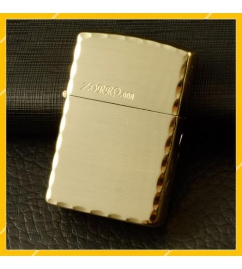 Hộp Quẹt Bật Lửa Xăng Đá Zorro Z8265, Khắc Hoa Văn Họa Tiết Cạnh Viền Tuyệt Đẹp
