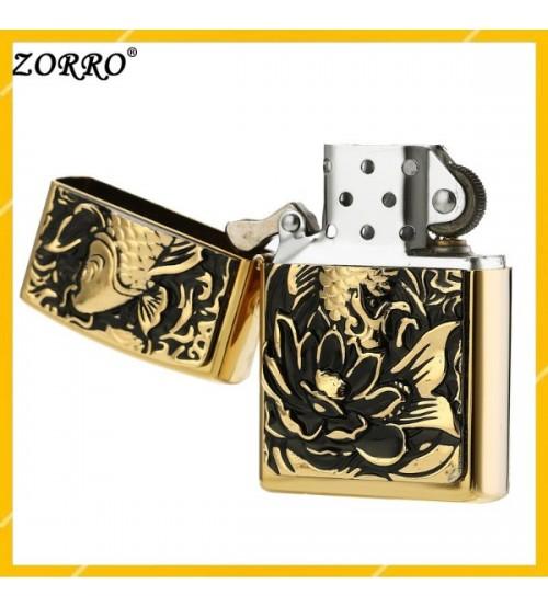 Hộp Qụet Bật Lửa Xăng Zorro Z9123A Thiết Kế Họa Tiết Emblem, Cá Chép Hoa Sen Đẹp Độc Lạ - Dùng Xăng Bấc Đá Cao Cấp