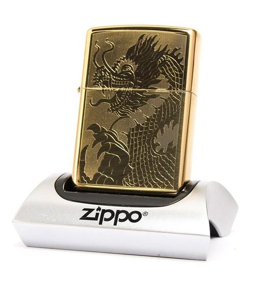 Bật lửa Zippo Mỹ khắc rồng