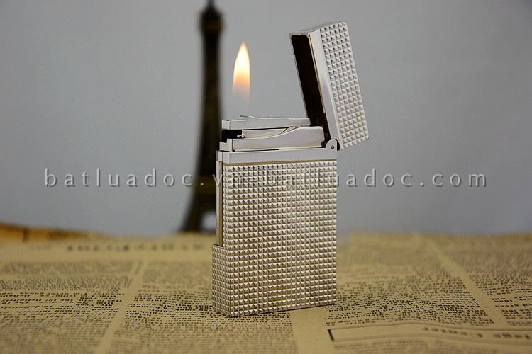 Bật lửa Dupont bạc caro