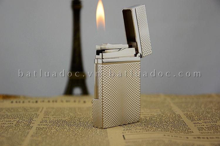Bật lửa S.T.Dupont 46 bạc