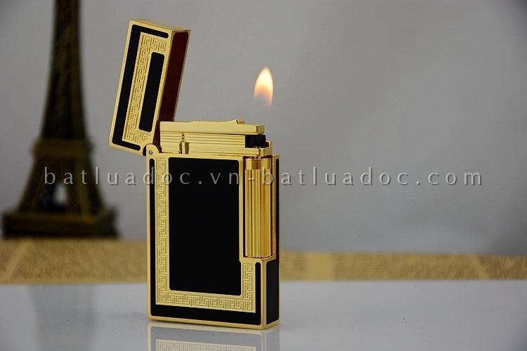 Bật lửa Dupont đen viền vuông vàng