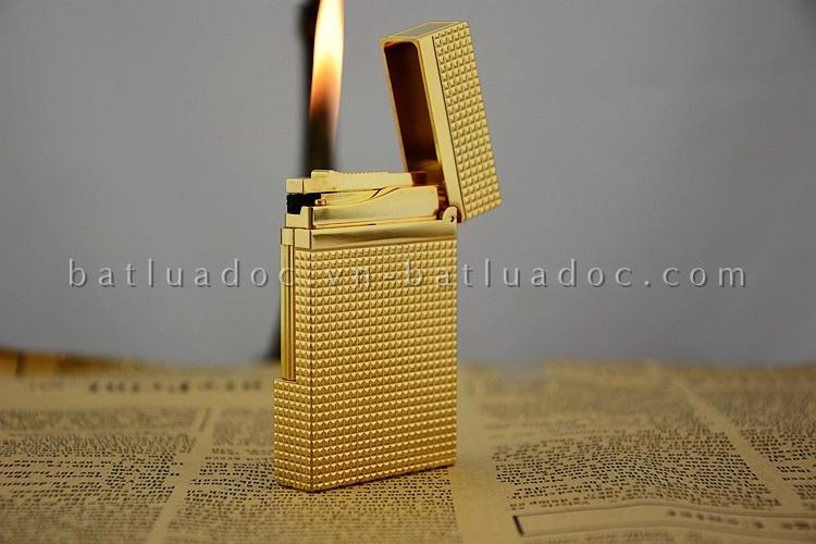 Bật lửa Dupont vàng caro