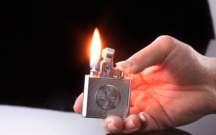 Bật lửa Honest cối xăng
